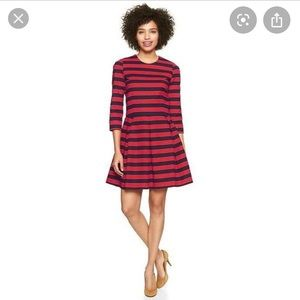 Gap fit and flare striped dress with pockets!